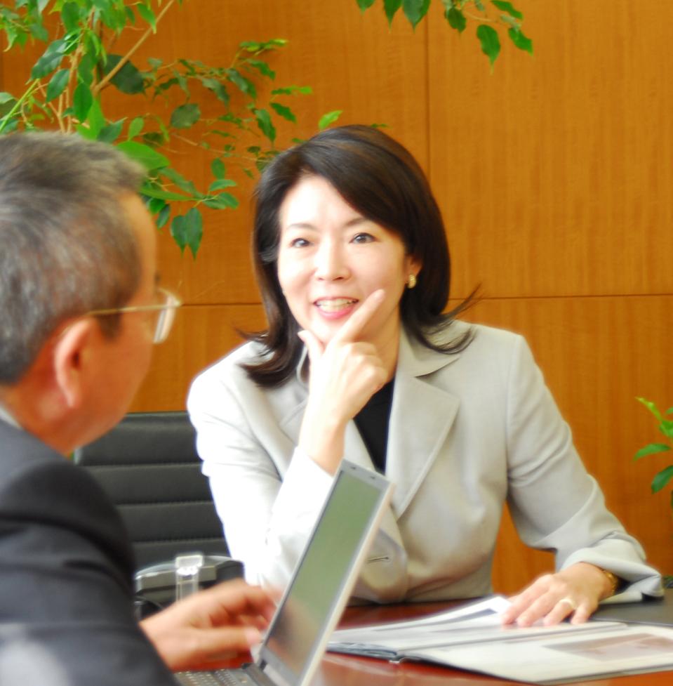 コスモ社長の佐藤玖美が仏の製薬企業ポクセルの取締役に就任
